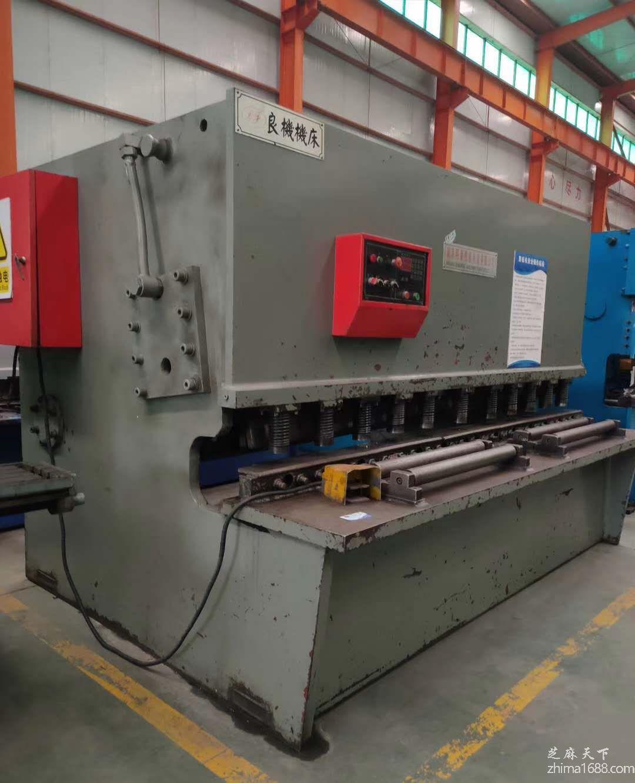 二手南京明星QC12Y-16×2500液压摆式剪板机
