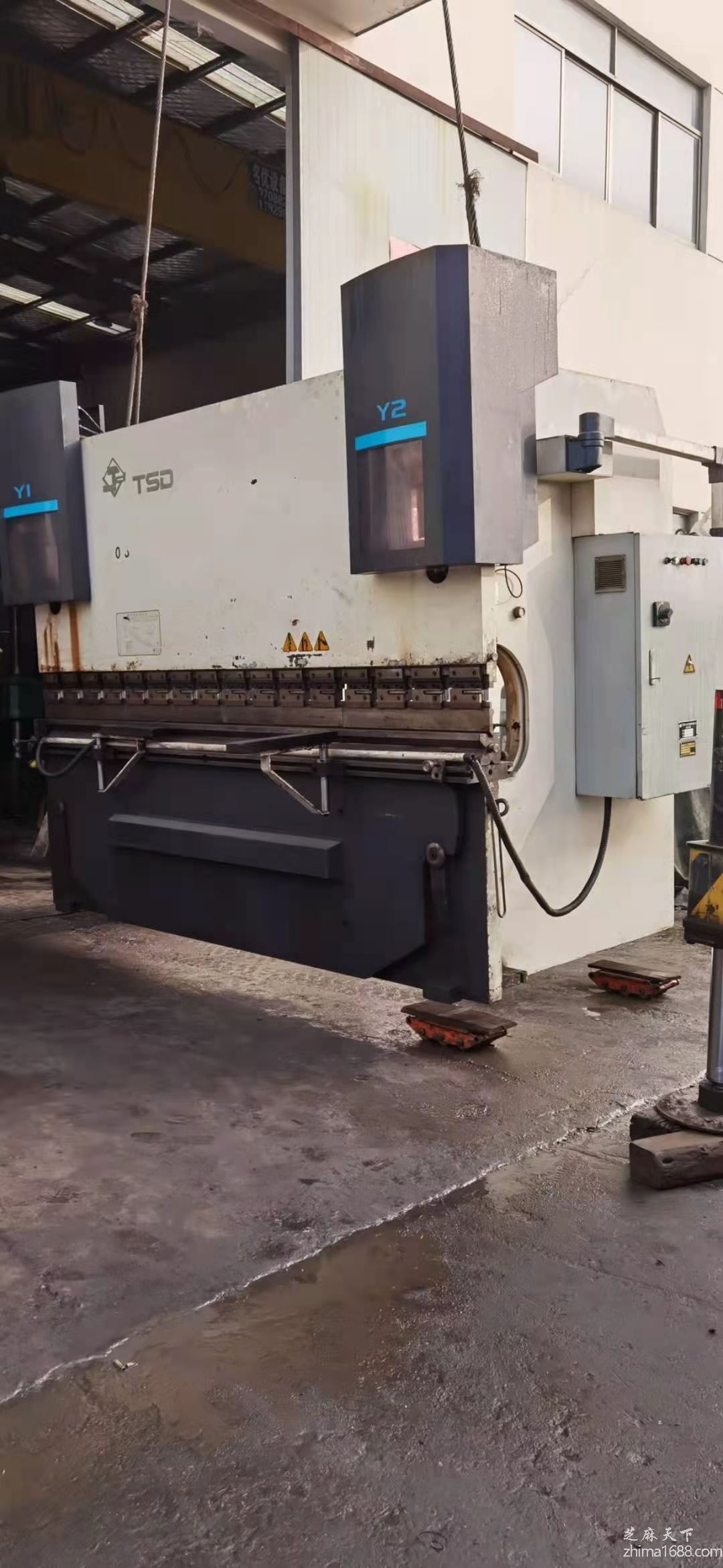 二手天水锻压WE67K-200/3200DA52数控液压板料折弯机
