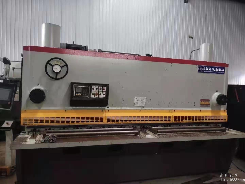 二手江苏宏威QC11Y-16×3200液压闸式剪板机
