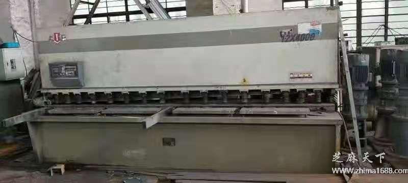 二手上海巨威QC12Y-12×4000液压摆式剪板机